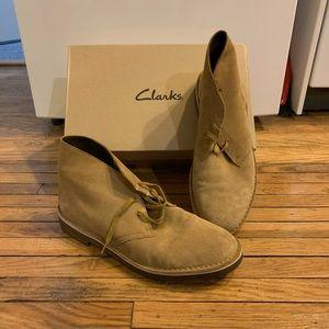 Clark's Bushacre 2 Chukka Boots Wheat Suede 10.5